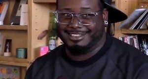 T-Pain sings without Auto-Tune