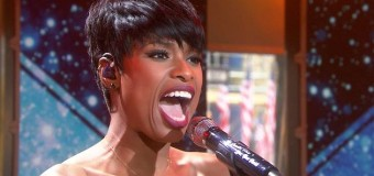 Jennifer Hudson honors the late Whitney Houston